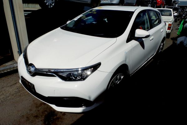 2015 ZRE182 Corolla